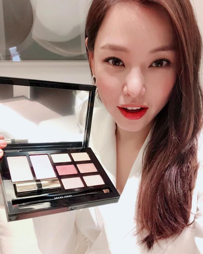 Hoa hậu Hàn Quốc Honey Lee U40 ngày càng đẹp rực rỡ - Ảnh 23.