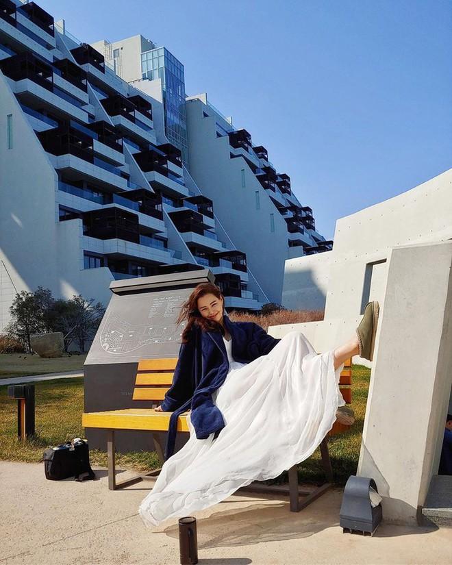 Hoa hậu Hàn Quốc Honey Lee U40 ngày càng đẹp rực rỡ - Ảnh 25.
