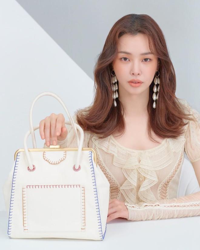 Hoa hậu Hàn Quốc Honey Lee U40 ngày càng đẹp rực rỡ - Ảnh 27.