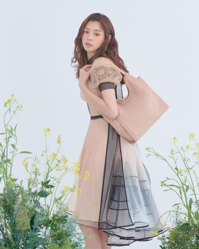 Hoa hậu Hàn Quốc Honey Lee U40 ngày càng đẹp rực rỡ - Ảnh 29.