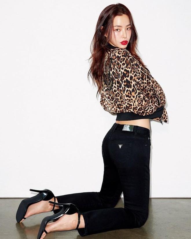 Hoa hậu Hàn Quốc Honey Lee U40 ngày càng đẹp rực rỡ - Ảnh 4.
