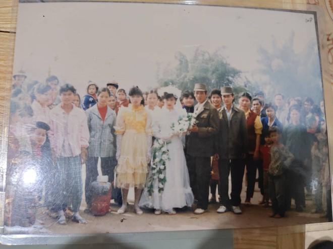 Chuyện cưới trước yêu sau của cô nàng Lạng Sơn: Là người đầu tiên trong làng mặc váy cưới và dàn siêu xe rước dâu khiến tất cả lác mắt - Ảnh 5.