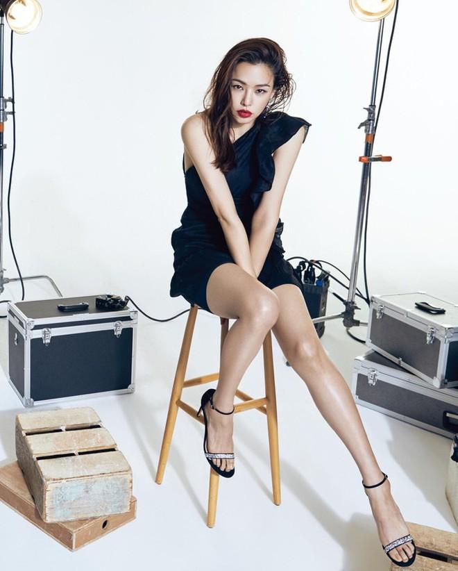 Hoa hậu Hàn Quốc Honey Lee U40 ngày càng đẹp rực rỡ - Ảnh 9.