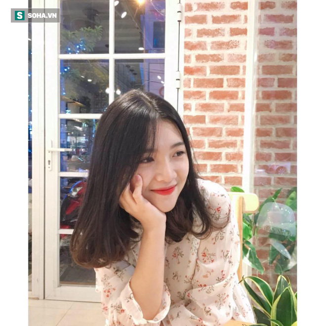 Gái xinh Thái Bình bị chụp trộm lúc cầm mic hát, nụ cười khiến dân mạng sốt sắng tìm info - Ảnh 2.