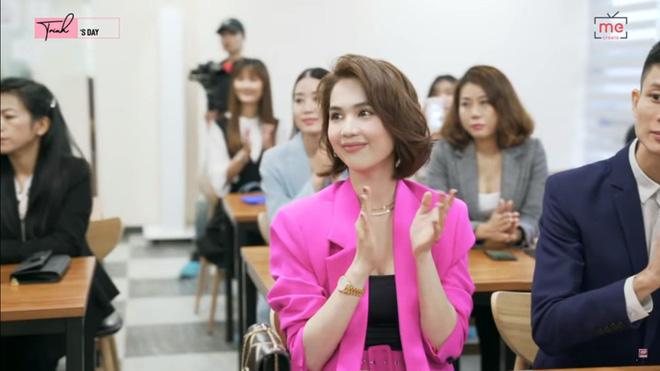 Ngọc Trinh sang Seoul chủ trì Hội nghị đẳng cấp và có hành động kì lạ bất ngờ - Ảnh 5.