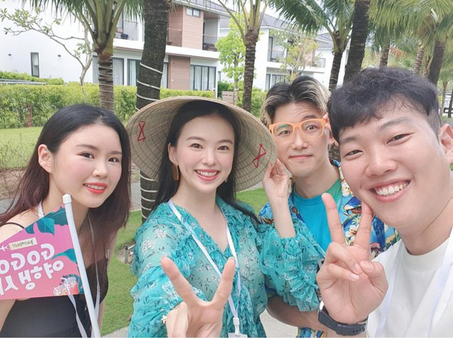 Người mẫu nội y xứ Hàn xinh tươi giữa biển trời Phú Quốc - Ảnh 2.