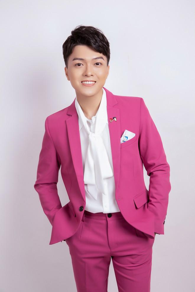 Khánh Hoàng Bolero bán nhà để theo đuổi đam mê ca hát - Ảnh 1.