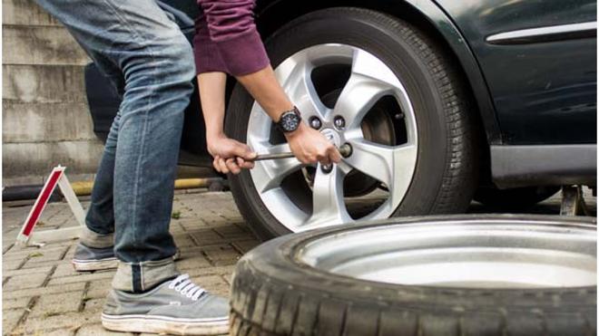 Lốp chửa có thể gây nguy hiểm đến tính mạng nếu không kịp thời khắc phục - Ảnh 1.