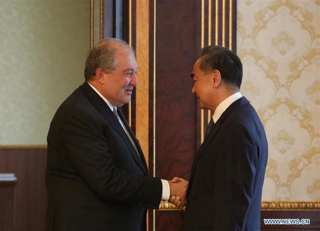 VOA: Nga làm ngơ, để Trung Quốc thọc sâu vào sân sau vì không muốn kích động Bắc Kinh - Ảnh 3.