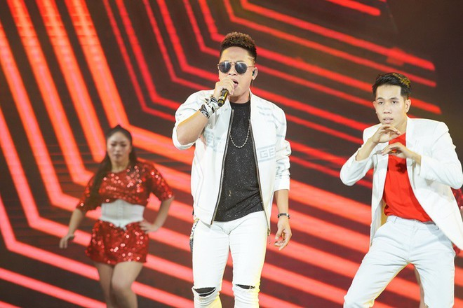 Nhóm nhạc thần tượng Hàn Quốc The Boyz biểu diễn cùng nhiều ca sĩ Việt - ảnh 4