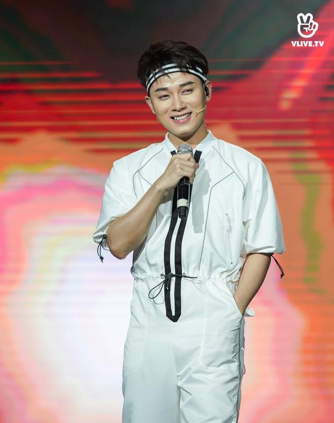 Nhóm nhạc thần tượng Hàn Quốc The Boyz biểu diễn cùng nhiều ca sĩ Việt - ảnh 7