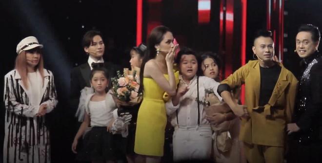 The Voice Kids công bố nhầm quán quân: MC Nguyên Khang bị chỉ trích dữ dội, nghi vấn sắp xếp kết quả lộ liễu - Ảnh 4.