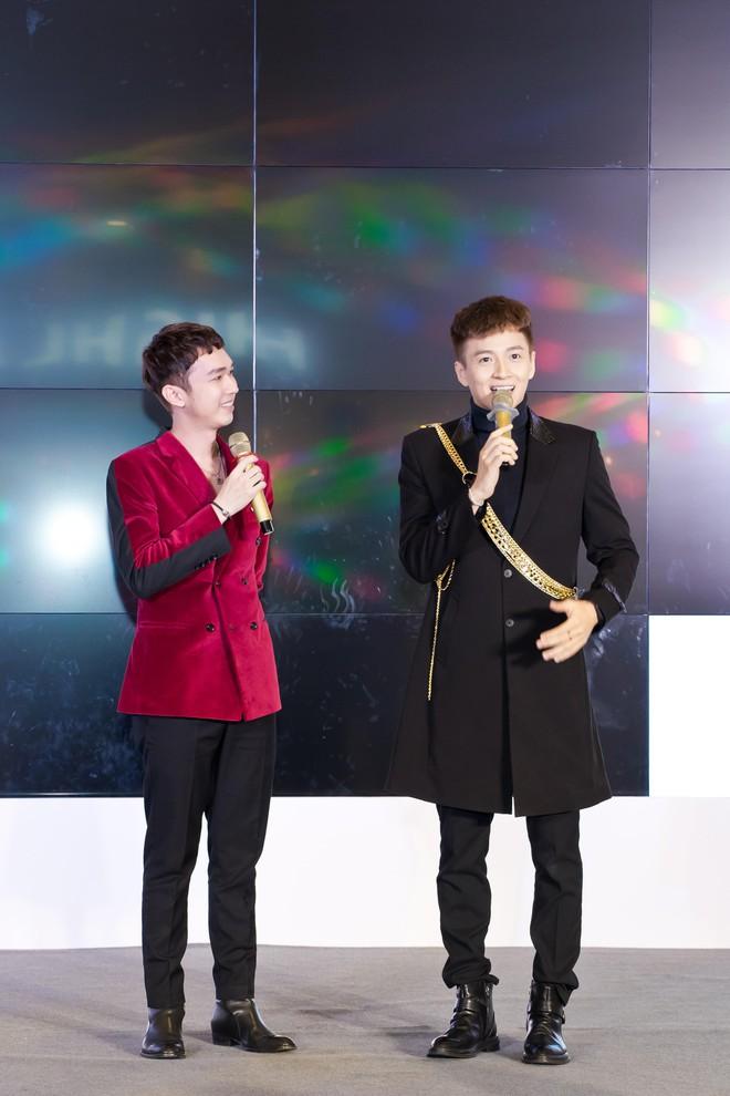 Ngô Kiến Huy hào hứng hát live ca khúc hit - ảnh 3