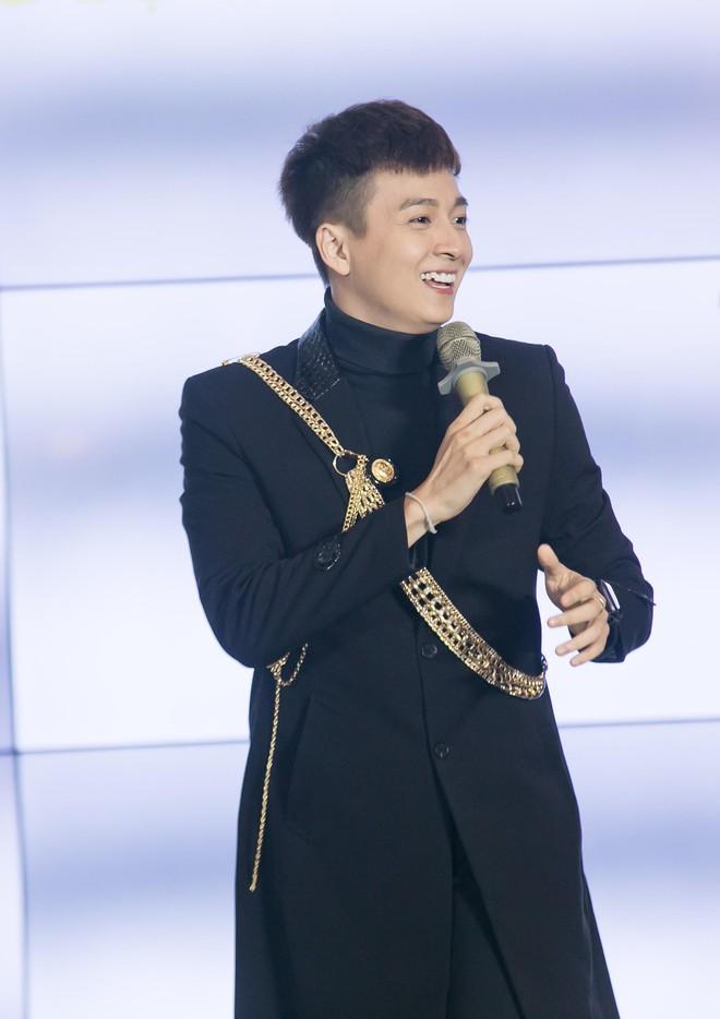 Ngô Kiến Huy hào hứng hát live ca khúc hit - ảnh 5