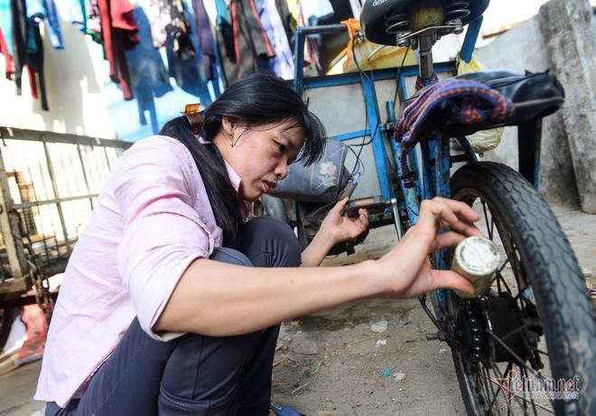 Những người phụ nữ nhặt ve chai ở Sài Gòn nuôi con đậu đại học - Ảnh 11.