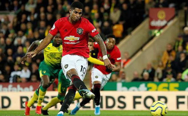 Vô duyên với 2 quả pen từ VAR, Man United vẫn bay cao trên BXH Premier League