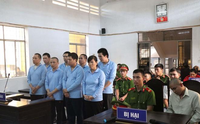 Mang hung khí đi giải quyết mâu thuẫn tranh chấp đất, 8 người lãnh án