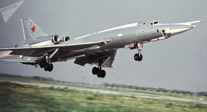 Thả bom hạt nhân đánh chìm TSB Mỹ: Liên Xô định mở màn Thế chiến 3 theo cách tệ hại nhất? - Ảnh 4.