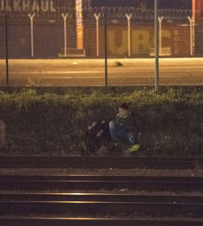 Những người ôm mộng đến Anh đổi đời và cuộc chơi mèo vờn chuột hàng đêm với cảnh sát Bỉ: Túi cạn tiền, thấy chết vẫn không sợ - ảnh 5