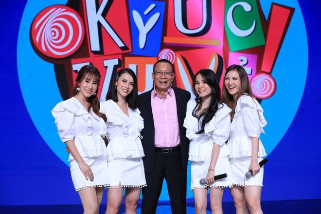 Mây Trắng bất ngờ tái hợp sau 12 năm, MC Quyền Linh nói: Yến Trang hồi đó nổi hơn tôi - Ảnh 1.