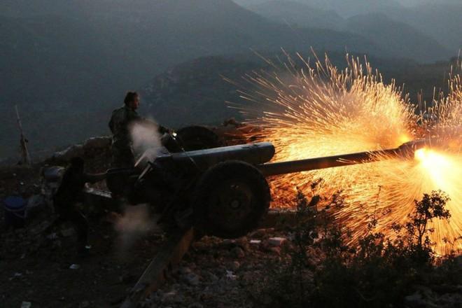 Căn cứ quân sự Mỹ bị tấn công tên lửa - Lầu Năm Góc đe dọa đánh cả Nga nếu dám tiếp cận các mỏ dầu ở Syria - Ảnh 9.