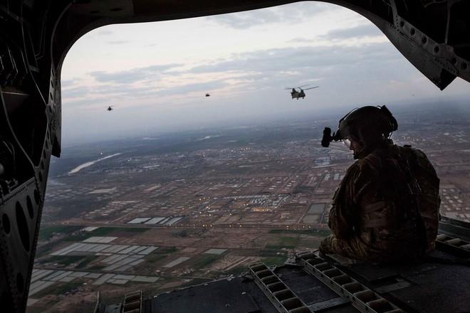 Căn cứ quân sự Mỹ bị tấn công tên lửa - Lầu Năm Góc đe dọa đánh cả Nga nếu dám tiếp cận các mỏ dầu ở Syria - Ảnh 10.