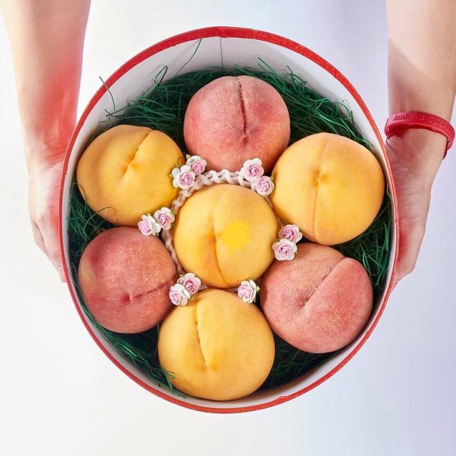 Đào tiên Nhật Bản có giá gần 1 triệu/cặp hút giới nhà giàu Việt - Ảnh 1.