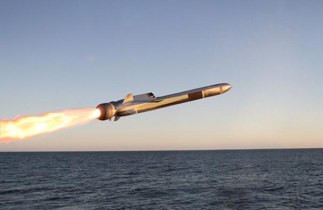 Mỹ phóng tên lửa có thể tiêu diệt bất cứ tàu chiến nào của Trung Quốc trên Biển Đông - Ảnh 1.