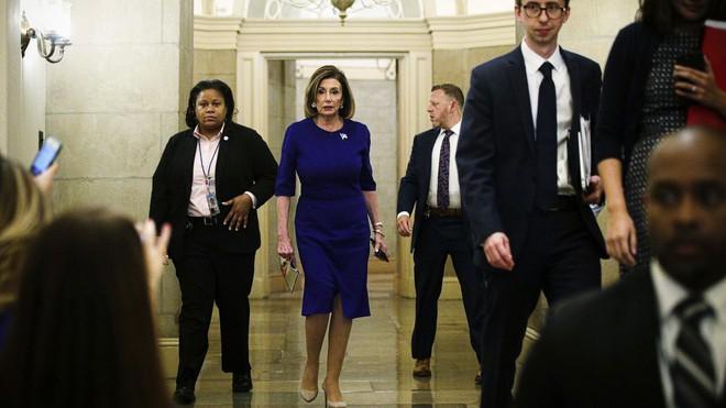 Thế của ông Trump ở Thượng viện vững như bàn thạch: Phe Dân chủ muốn gì với ván bài lật ngửa? - Ảnh 1.