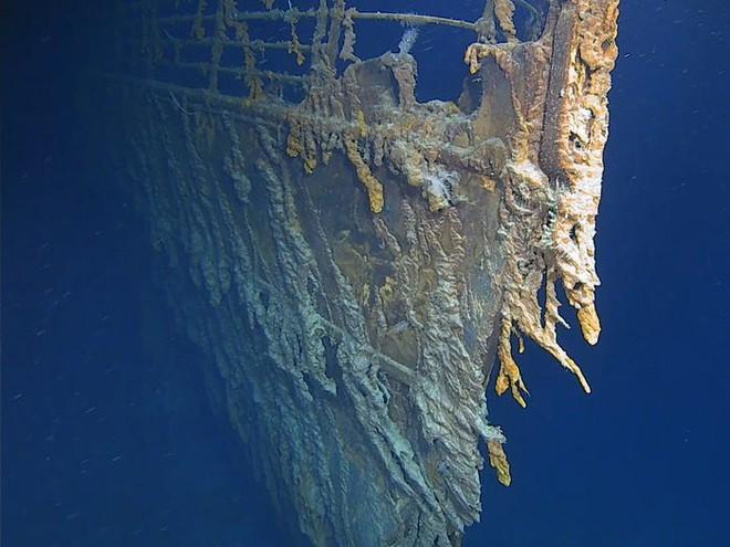 Chiêm ngưỡng lại vẻ đẹp của tàu Titanic trước khi nó biến mất hoàn toàn - Ảnh 1.