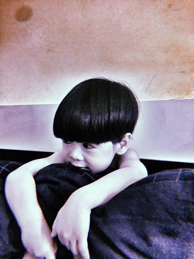 """Mẹ là fan ruột"""" của phim kinh dị, con trai 2 tuổi hóa nhân vật rùng rợn khiến tất cả hoảng sợ - ảnh 7"""