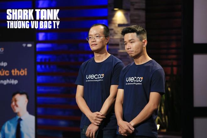 Shark Tank Việt Nam: Các shark tranh nhau rót vốn tiền tỉ vào dự án của 2 cựu nhân viên Tiki - Ảnh 1.