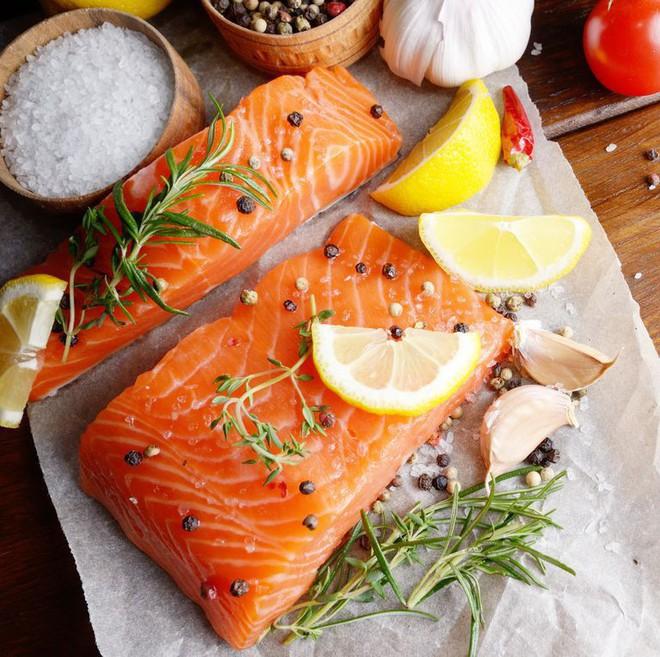 10 thực phẩm hàng đầu giúp mái tóc dày và bóng khỏe - Ảnh 2.