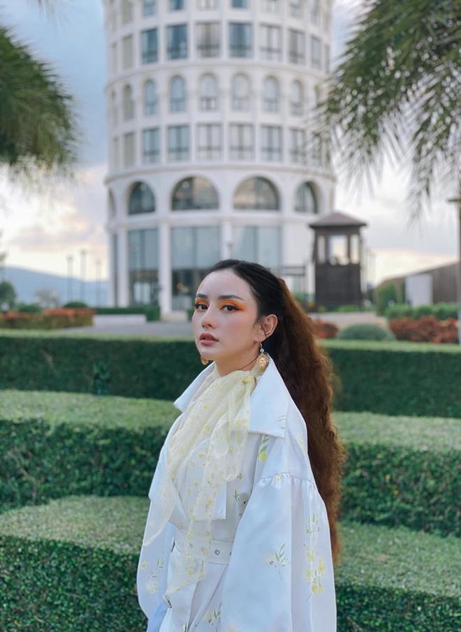 Cuộc sống xa hoa của cô gái miền Tây lấy tỷ phú Thái Lan - ảnh 2