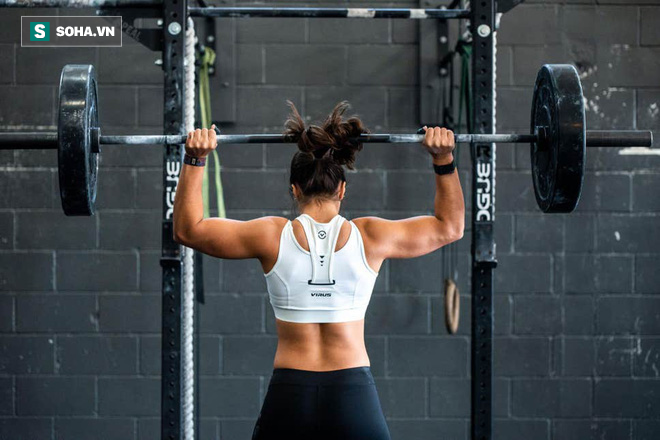 HLV của Ellie Goulding chia sẻ chìa khóa trong tập luyện giúp giảm cân lâu dài - Ảnh 4.