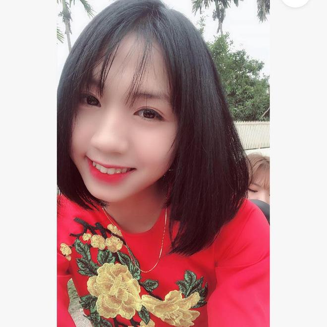 Cư dân mạng phát sốt với nữ cầu thủ hot girl của đội tuyển U19 Việt Nam, đã xinh lại còn đá bóng giỏi - Ảnh 7.