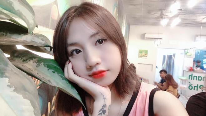 Cư dân mạng phát sốt với nữ cầu thủ hot girl của đội tuyển U19 Việt Nam, đã xinh lại còn đá bóng giỏi - Ảnh 9.