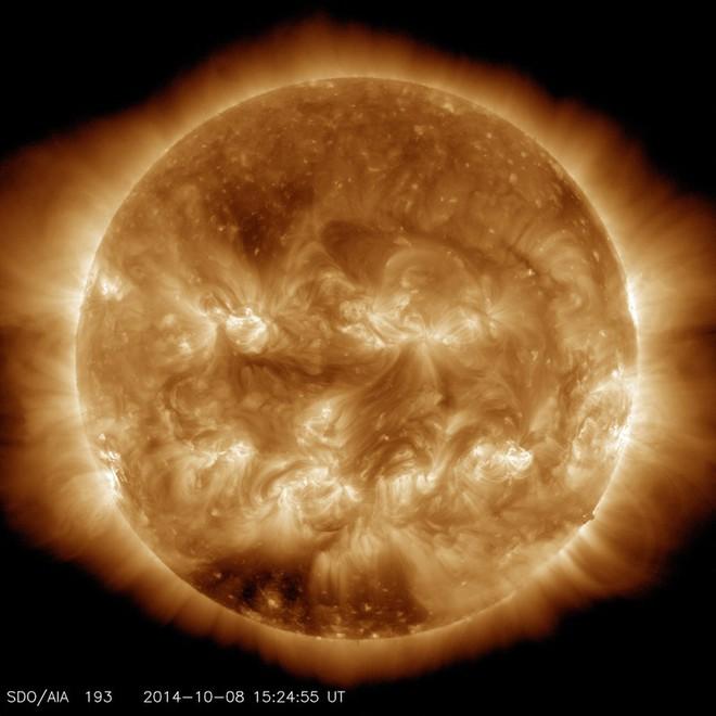 """NASA đăng ảnh Mặt trời bí ngô ma quái"""" chào Halloween - Ảnh 2."""