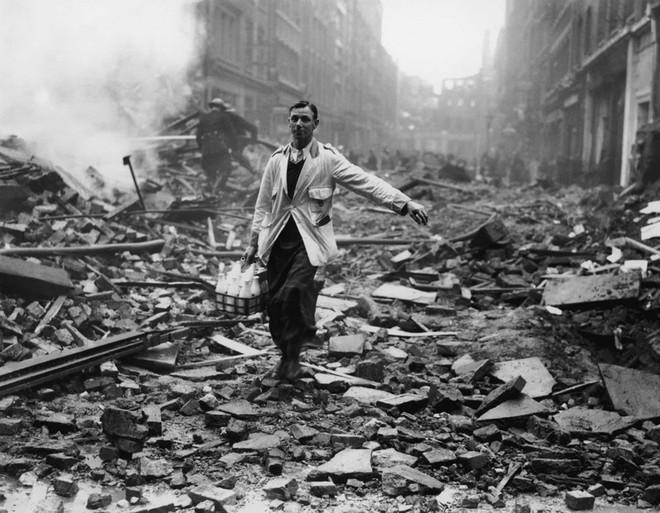 Ảnh hiếm về cuộc sống thường ngày trong Thế chiến II - Ảnh 2.