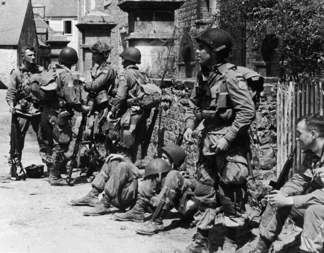 Ảnh hiếm về cuộc sống thường ngày trong Thế chiến II - Ảnh 8.