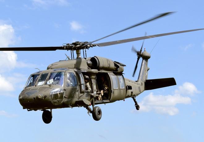 Trực thăng Diều hâu đen chở đặc nhiệm Mỹ tiêu diệt trùm khủng bố IS - ảnh 10