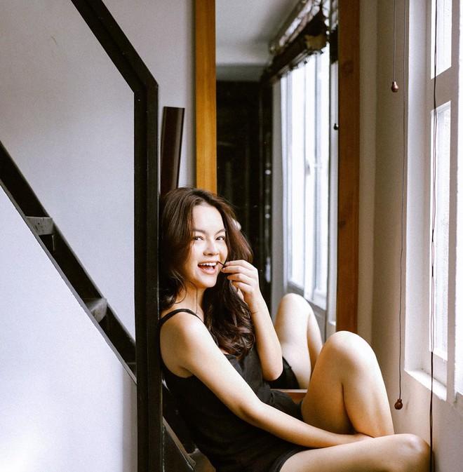 Phạm Quỳnh Anh tung clip đang bơi đầy gợi cảm, quyến rũ - ảnh 5