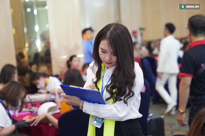 Lọt vào mắt xanh của nhiếp ảnh gia khi đang chấm thi, cô gái Nghệ An tiết lộ kiếm 100 triệu/tháng và những điều dân mạng đoán sai - ảnh 1