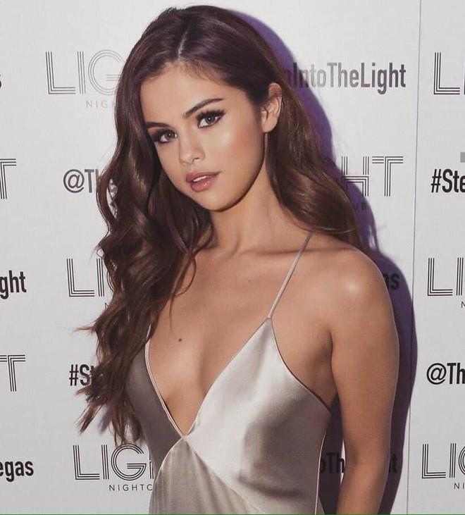 Selena Gomez giàu có và gợi cảm như thế nào? - Ảnh 4.