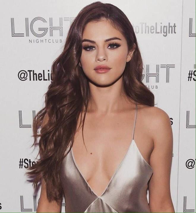 Selena Gomez giàu có và gợi cảm như thế nào? - Ảnh 3.