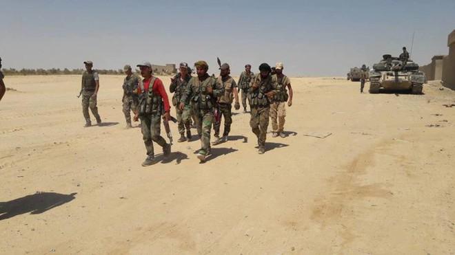 An ninh Iraq thẳng tay xả súng vào đoàn người biểu tình, thương vong lớn - Thêm một lò lửa bùng phát - Ảnh 13.
