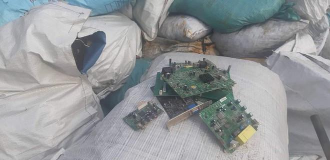 Cận cảnh lò đốt rác điện tử lấy vàng vùng giáp ranh Hà Nội - Hòa Bình - Ảnh 5.