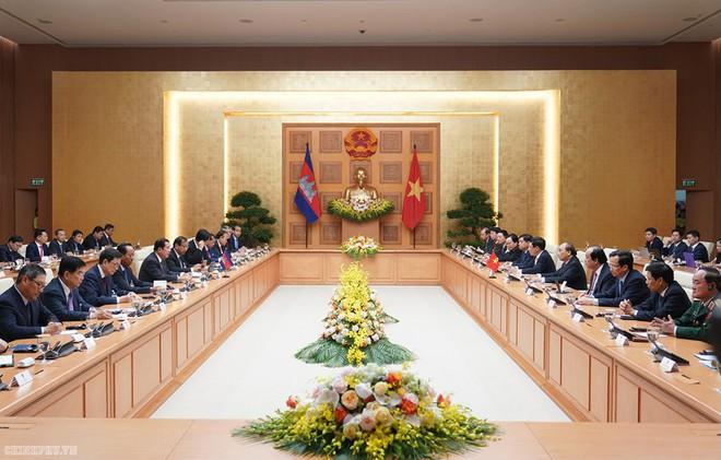 Thủ tướng Nguyễn Xuân Phúc chủ trì lễ đón Thủ tướng Campuchia Hun Sen - Ảnh 6.