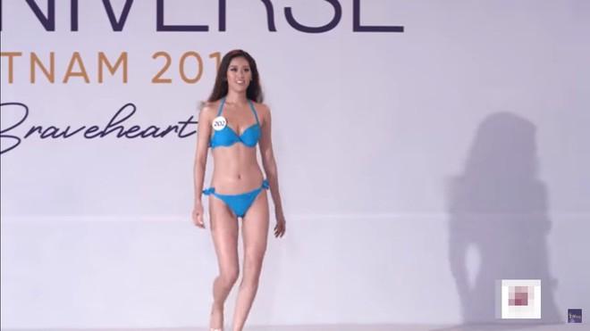 Thí sinh Hoa hậu Hoàn vũ vấp ngã, bị chê khi mặc bikini, Hương Ly phải xin lỗi vì phi guốc trước mặt giám khảo - Ảnh 8.