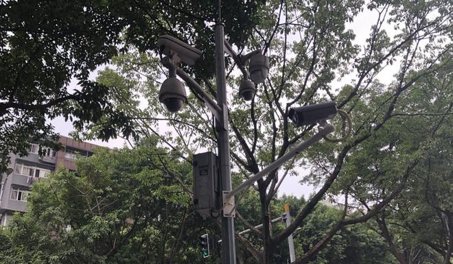 Lý do tại sao người dân Trùng Khánh vẫn vui vẻ dù đây là thành phố nhiều camera theo dõi nhất thế giới - Ảnh 2.